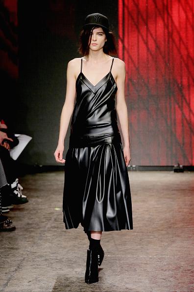 Spaghetti Straps「DKNY Women's - Runway - Mercedes-Benz Fashion Week Fall 2014」:写真・画像(4)[壁紙.com]