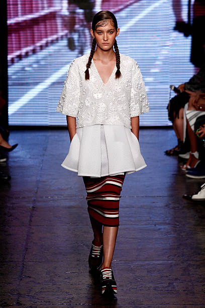 DKNY Women's - Runway - Mercedes-Benz Fashion Week Spring 2015:ニュース(壁紙.com)