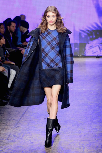 タータンチェック「DKNY Women's - Runway - Mercedes-Benz Fashion Week Fall 2014」:写真・画像(17)[壁紙.com]