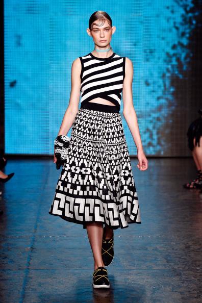 Black Shoe「DKNY Women's - Runway - Mercedes-Benz Fashion Week Spring 2015」:写真・画像(16)[壁紙.com]