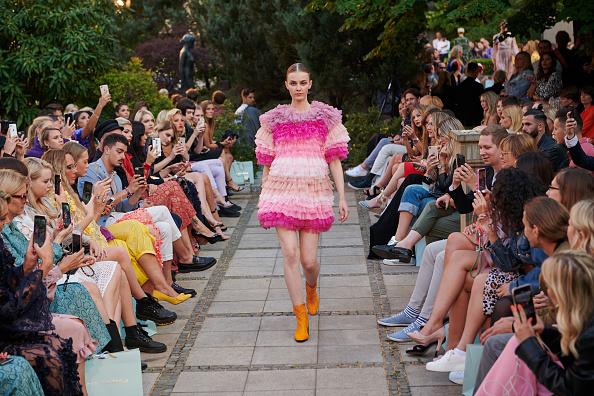Frilly「Marcel Ostertag Fashion Show - Berlin Fashion Week Spring/Summer 2020」:写真・画像(0)[壁紙.com]