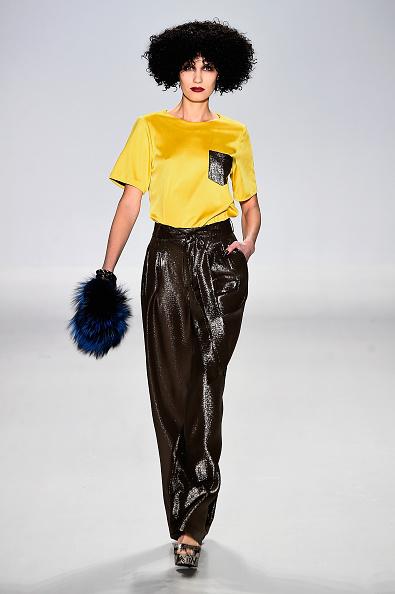 Hands In Pockets「Georgine - Runway - Mercedes-Benz Fashion Week Fall 2015」:写真・画像(6)[壁紙.com]