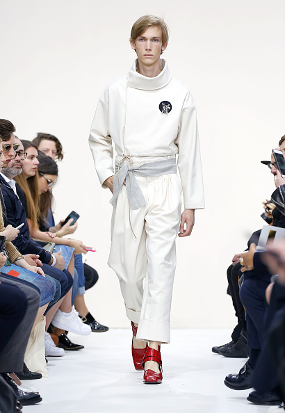 Hands In Pockets「J.W.Anderson - Runway - London Collections Men SS16」:写真・画像(2)[壁紙.com]