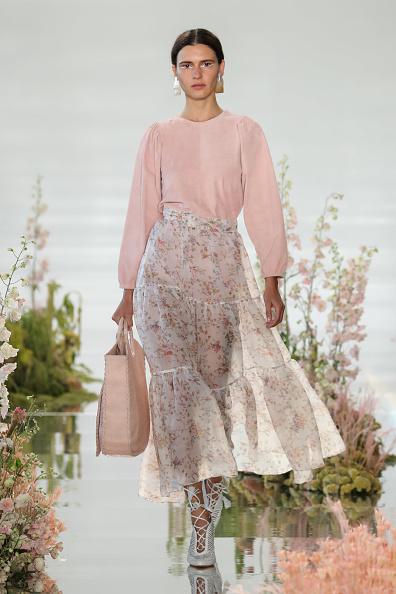 Pale Pink「Ulla Johnson - Runway - September 2017 - New York Fashion Week」:写真・画像(0)[壁紙.com]