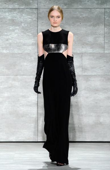 Cut Out Dress「Angel Sanchez - Runway - Mercedes-Benz Fashion Week Fall 2014」:写真・画像(8)[壁紙.com]