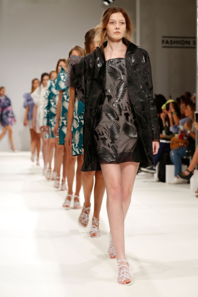 ロンドンファッションウィーク「Daniela Barros & Joao Melo Costa: Runway - London Fashion Week SS15」:写真・画像(14)[壁紙.com]
