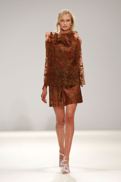 ロンドンファッションウィーク「Daniela Barros & Joao Melo Costa: Runway - London Fashion Week SS15」:写真・画像(15)[壁紙.com]