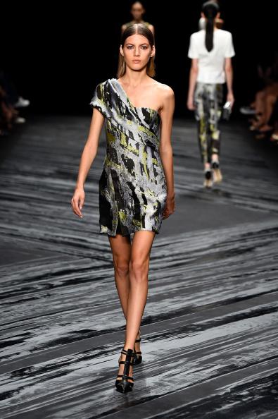 Black Shoe「J. Mendel - Runway - Mercedes-Benz Fashion Week Spring 2015」:写真・画像(8)[壁紙.com]