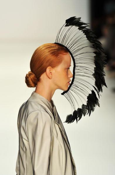 Gareth Cattermole「Dawid Tomaszewski Show - Mercedes Benz Fashion Week Spring/Summer 2011」:写真・画像(13)[壁紙.com]