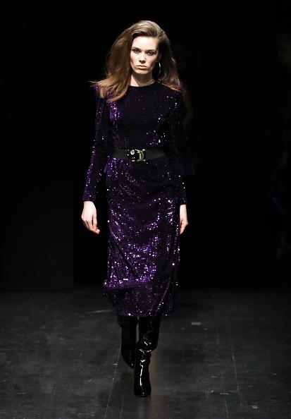 Tristan Fewings「Meltem Ozbek - Runway - Mercedes Benz Fashion Week Istanbul - March 2018」:写真・画像(15)[壁紙.com]