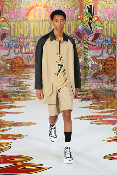 Beige Shorts「Neil Barrett - Runway - Milan Men's Fashion Week Spring/Summer 2020」:写真・画像(4)[壁紙.com]
