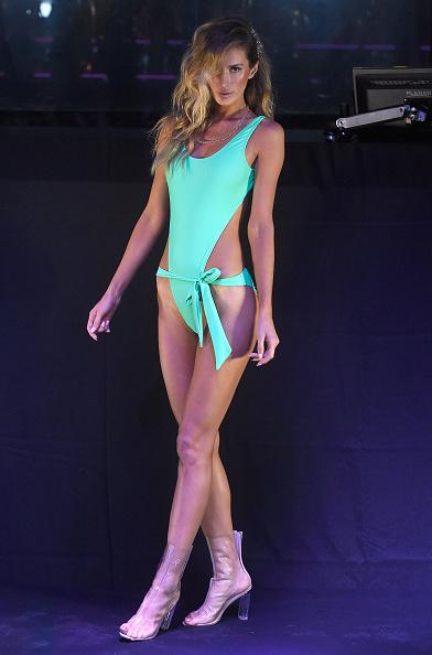 水着「Mint Swim 2017 Collection at SwimMiami - Runway」:写真・画像(15)[壁紙.com]