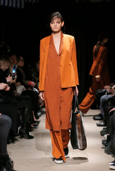 Orange Coat「Rodebjer - Runway - Mercedes-Benz Fashion Week Fall 2014」:写真・画像(13)[壁紙.com]