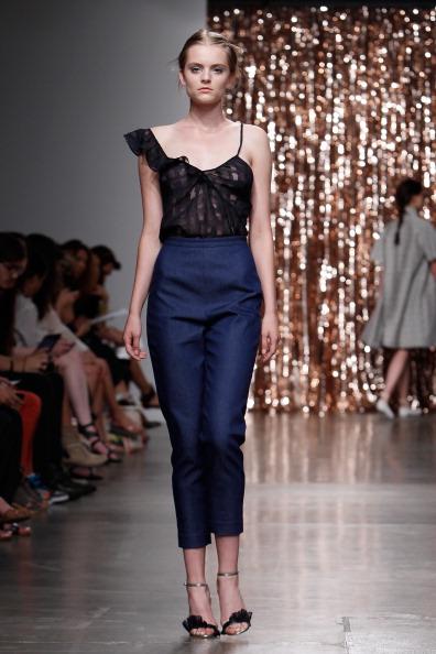 High Waist Pants「Tocca - Runway - Mercedes-Benz Fashion Week Spring 2014」:写真・画像(15)[壁紙.com]