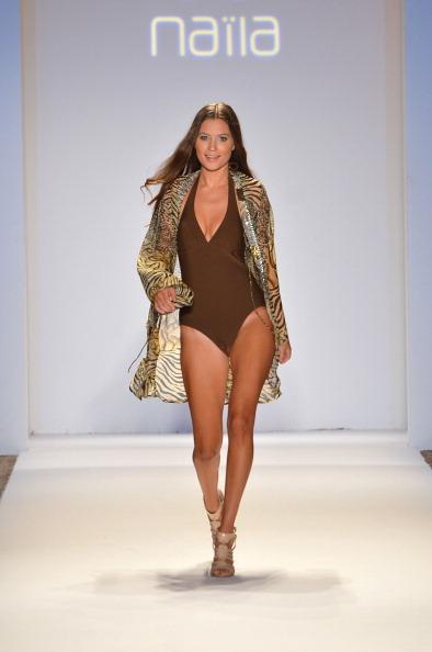 Fully Unbuttoned「Anna Kosturova, Dorit, Keva J, Naila - Mercedes-Benz Fashion Week Swim 2013 - Show」:写真・画像(19)[壁紙.com]