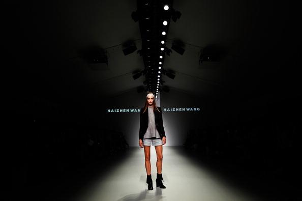 ロンドンファッションウィーク「Haizhen Wang - Runway: London Fashion Week SS14」:写真・画像(12)[壁紙.com]