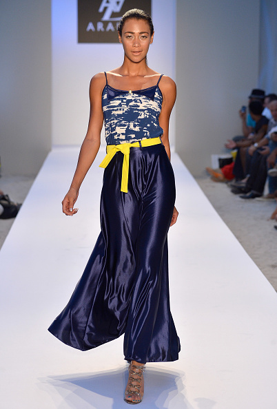 Wide Leg Pants「A.Z. Araujo At Mercedes-Benz Fashion Week Swim 2014- Runway」:写真・画像(19)[壁紙.com]