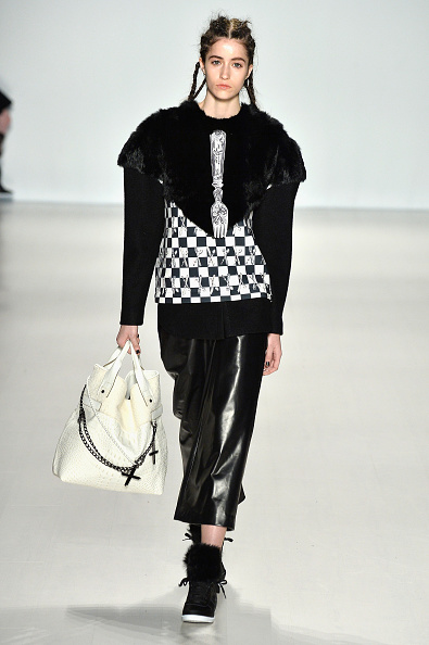 Cross Shape「Concept Korea - Runway - Mercedes-Benz Fashion Week Fall 2014」:写真・画像(12)[壁紙.com]
