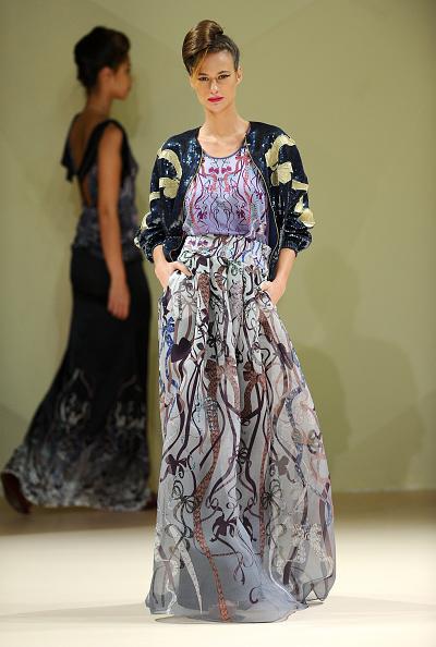 Fashion Forward Dubai「Asudari - Runway - Fashion Forward Dubai October 2014」:写真・画像(14)[壁紙.com]