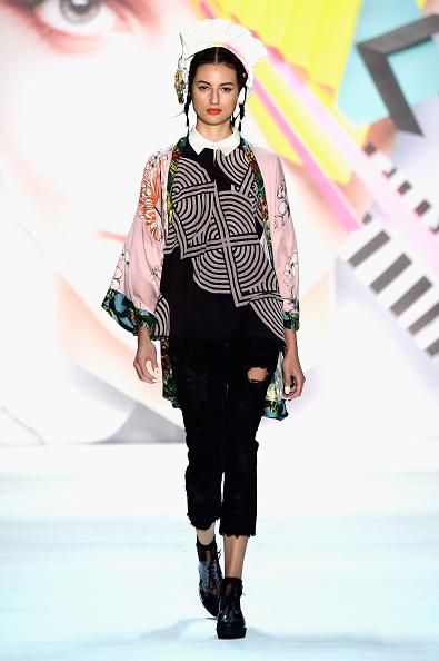 Skylight Studios「Desigual - Runway - Spring 2016 New York Fashion Week: The Shows」:写真・画像(16)[壁紙.com]