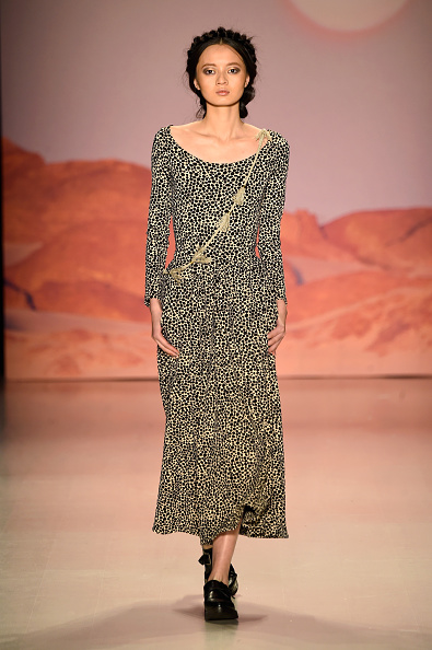 The Salon - Lincoln Center「Mara Hoffman - Runway - Mercedes-Benz Fashion Week Fall 2015」:写真・画像(0)[壁紙.com]
