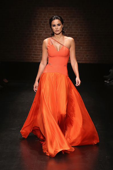 Orange Dress「Aslialev - Runway - Mercedes-Benz Fashion Week Istanbul - October 2016」:写真・画像(7)[壁紙.com]