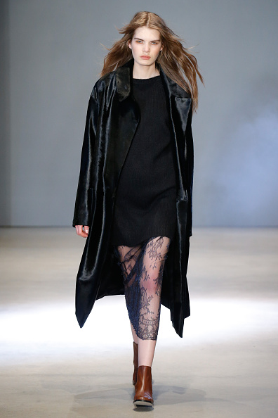 Brown Boot「Tibi - Runway - Fall 2016 New York Fashion Week」:写真・画像(7)[壁紙.com]