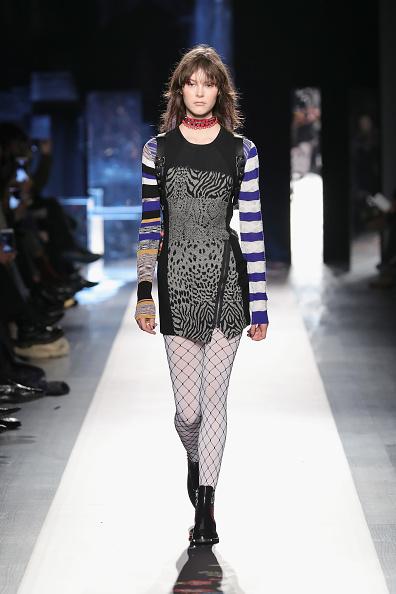 Bangs「Desigual - Runway - February 2017 - New York Fashion Week: The Shows」:写真・画像(5)[壁紙.com]