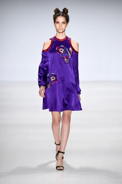 Open Toe「Deola Sagoe / Clan - Runway - Mercedes-Benz Fashion Week Spring 2015」:写真・画像(15)[壁紙.com]