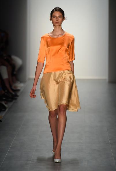 Blouse「Hien Le Show - Mercedes-Benz Fashion Week Spring/Summer 2015」:写真・画像(5)[壁紙.com]