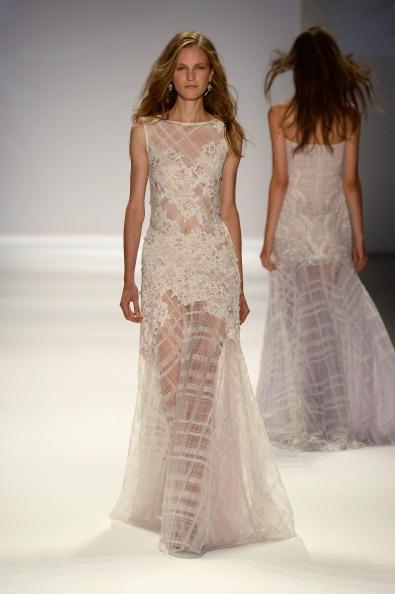 Embroidery「Tadashi Shoji - Runway - Mercedes-Benz Fashion Week Spring 2014」:写真・画像(5)[壁紙.com]