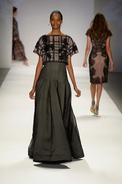 Flared Skirt「Tadashi Shoji - Runway - Mercedes-Benz Fashion Week Spring 2014」:写真・画像(9)[壁紙.com]