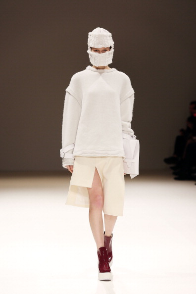 Cream Colored Skirt「Jamie Wei Huang: Runway - London Fashion Week AW14」:写真・画像(3)[壁紙.com]