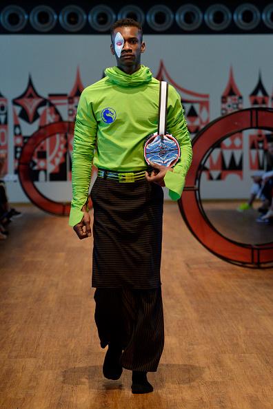 Multi Colored Purse「Emre Pakel Runway - Mercedes-Benz Fashion Week Istanbul - 2019」:写真・画像(7)[壁紙.com]