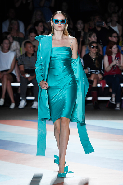 Turquoise Colored「Christian Siriano - Runway - September 2016 - New York Fashion Week: The Shows」:写真・画像(10)[壁紙.com]
