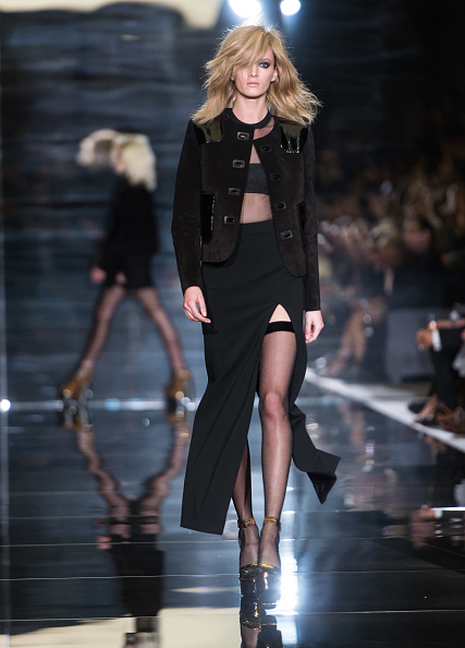 Round Neckline「TOM FORD: Runway - London Fashion Week SS15」:写真・画像(12)[壁紙.com]