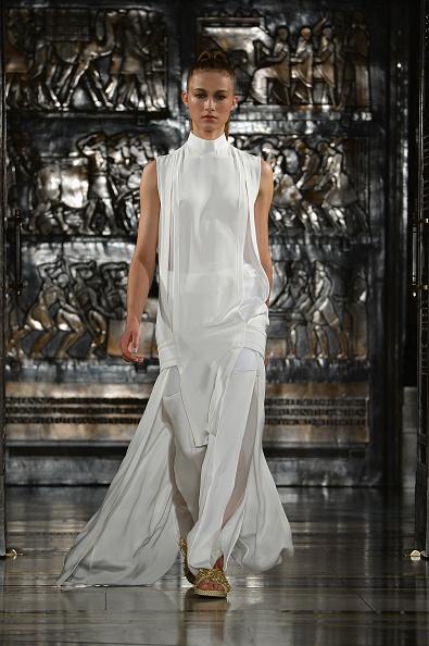 Ben Pruchnie「Zeynep Tosun - Runway: London Fashion Week SS14」:写真・画像(6)[壁紙.com]