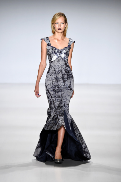 Gray Dress「Deola Sagoe / Clan - Runway - Mercedes-Benz Fashion Week Spring 2015」:写真・画像(7)[壁紙.com]