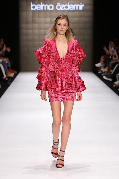 Layered Dress「Belma Ozdemir - Runway - Mercedes-Benz Fashion Week Istanbul - March 2019」:写真・画像(10)[壁紙.com]