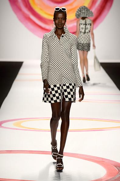 Collar「Desigual - Runway - Mercedes-Benz Fashion Week Spring 2014」:写真・画像(4)[壁紙.com]