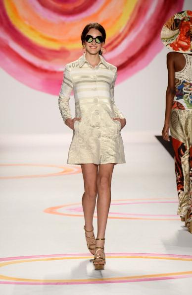 Beige「Desigual - Runway - Mercedes-Benz Fashion Week Spring 2014」:写真・画像(13)[壁紙.com]