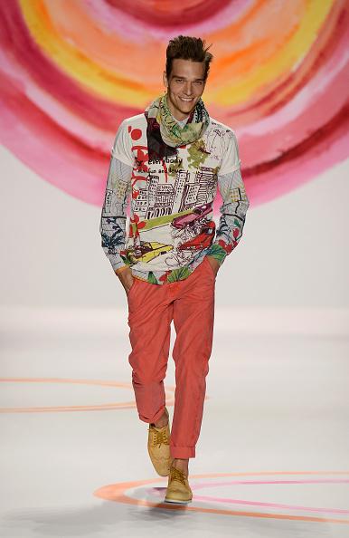 Males「Desigual - Runway - Mercedes-Benz Fashion Week Spring 2014」:写真・画像(19)[壁紙.com]