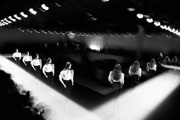 Digital Composite「Alternative View - Paris Fashion Week - Womenswear Fall/Winter 2015/16」:写真・画像(16)[壁紙.com]