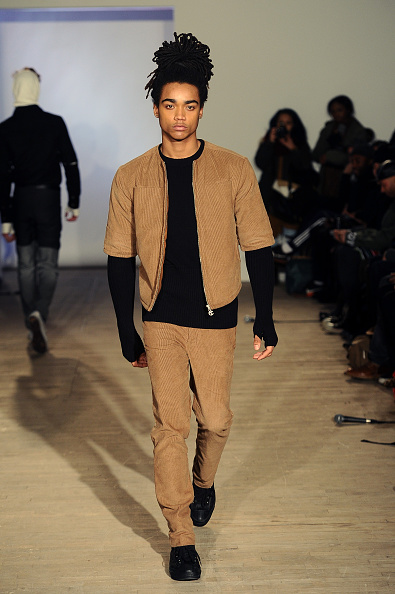 Fingerless Glove「Telfar - Runway - Mercedes-Benz Fashion Week Fall 2015」:写真・画像(15)[壁紙.com]