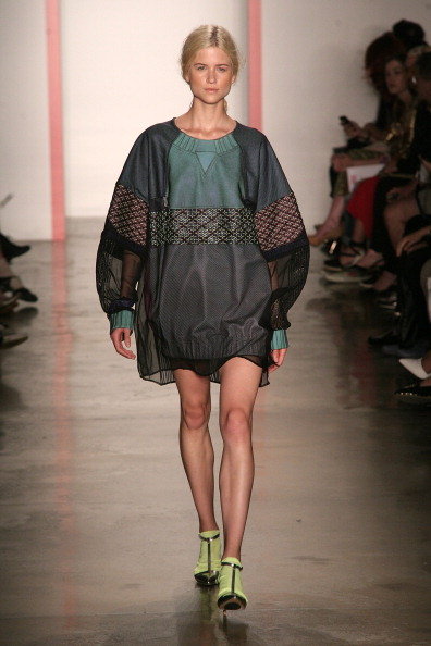 Side Part「Phase 2 Parsons And MFA Fashion Designer Runway Show - Runway - MADE Fashion Week Spring 2014」:写真・画像(16)[壁紙.com]