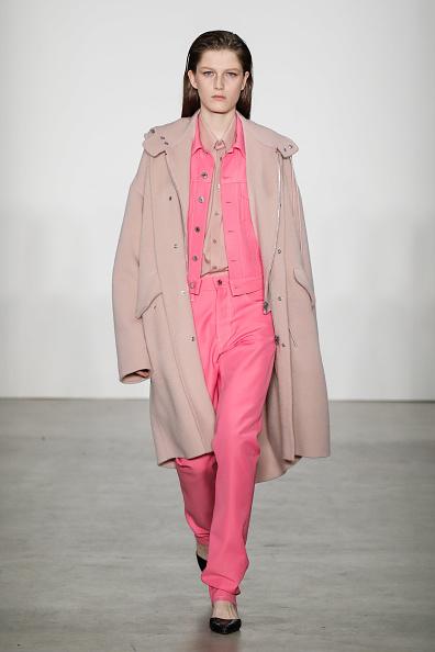 Pink Jacket「Helmut Lang - Runway - February 2019 - New York Fashion Week: The Shows」:写真・画像(7)[壁紙.com]