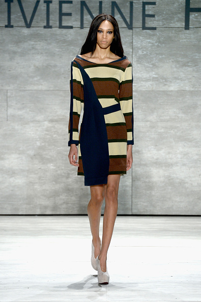 Middle Hair Part「Vivienne Hu - Runway - Mercedes-Benz Fashion Week Fall 2015」:写真・画像(9)[壁紙.com]