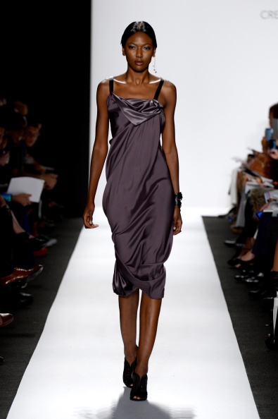 Fernanda Calfat「The Art Institutes - Runway - Mercedes-Benz Fashion Week Spring 2015」:写真・画像(15)[壁紙.com]