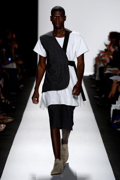 Fernanda Calfat「The Art Institutes - Runway - Mercedes-Benz Fashion Week Spring 2015」:写真・画像(2)[壁紙.com]
