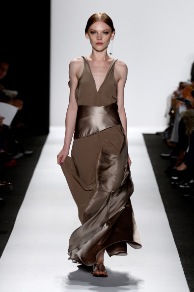 Fernanda Calfat「The Art Institutes - Runway - Mercedes-Benz Fashion Week Spring 2015」:写真・画像(17)[壁紙.com]